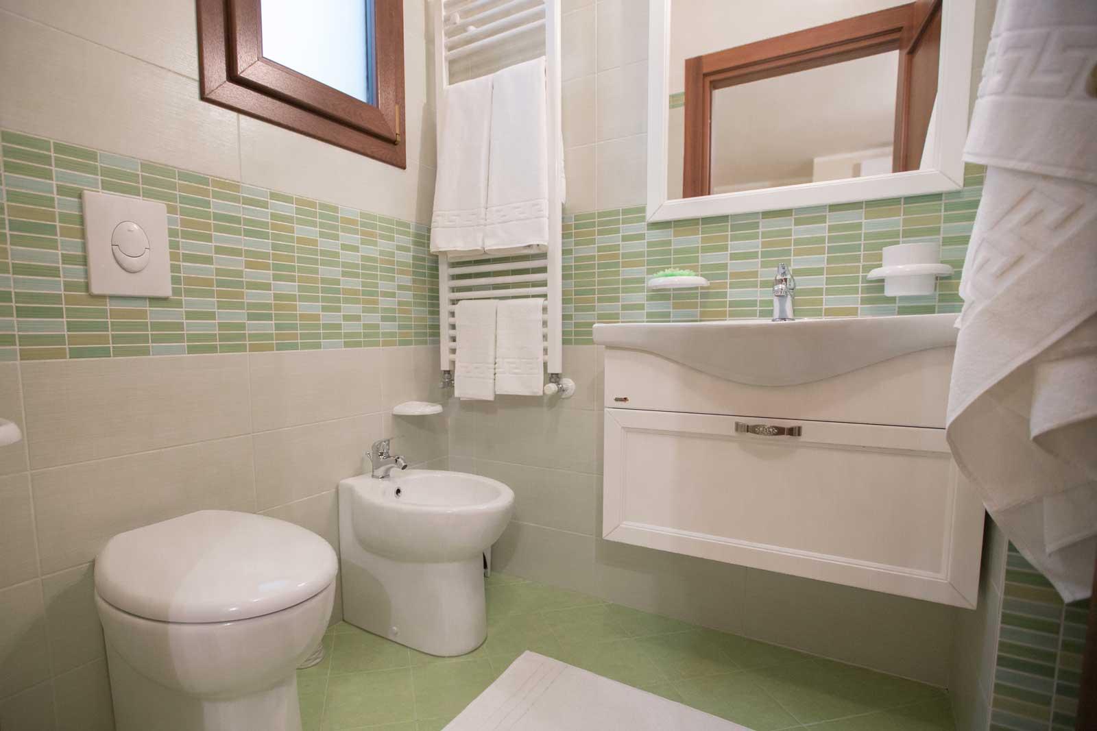 Camera Smeraldo bagno